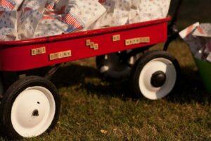 caramel corn in wagon